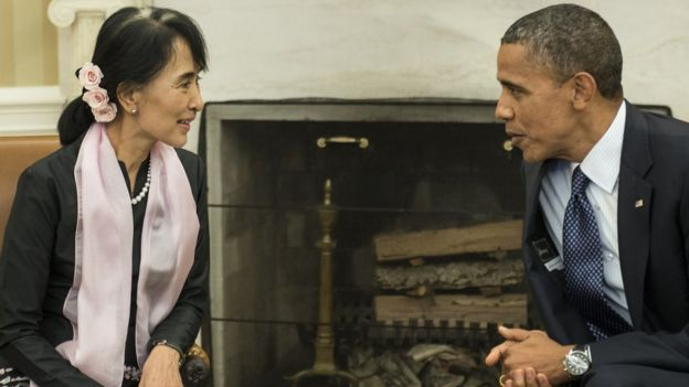 US President Barack Obama meets Myanmar's Aung San Suu Kyi in the Oval Office of the White House, September 19, 2012